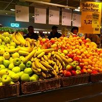 รูปภาพถ่ายที่ Stockmann Herkku โดย Sami R. เมื่อ 10/10/2012