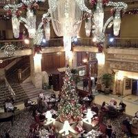 Das Foto wurde bei The Brown Palace Hotel and Spa von Danielle M. am 12/23/2012 aufgenommen