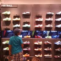 Viajero El diseño cristiano  Photos at Nike - Av. Javier Prado Este 4200