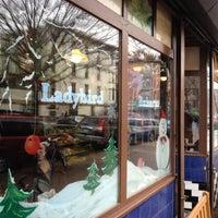 Foto diambil di Ladybird Bakery oleh Ryan H. pada 12/8/2012