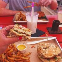 4/25/2013にJasmine M.がHopdoddy Burger Barで撮った写真