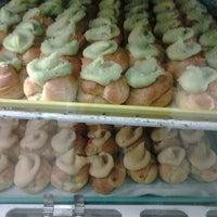 11/18/2012에 Lisa S.님이 Liliha Bakery에서 찍은 사진