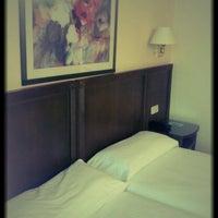 Foto diambil di Hotel América Sevilla oleh Sérgio P. pada 3/16/2013