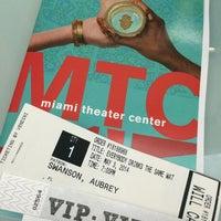 Foto tirada no(a) Miami Theater Center por Aubrey S. em 5/3/2014