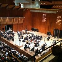 Снимок сделан в Lincoln Center for the Performing Arts пользователем Craig P. 10/14/2012