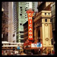 Foto tirada no(a) The Chicago Theatre por Joseph C. em 4/28/2013