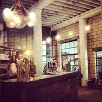 Foto scattata a Crate Brewery da eszpee il 11/16/2012