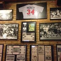 1/18/2013에 Andre' H.님이 Huberts Sports Bar & Grill에서 찍은 사진