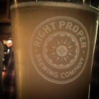 Das Foto wurde bei Right Proper Brewing Company von Ben R. am 12/11/2013 aufgenommen