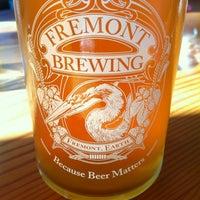 2/15/2013 tarihinde Sammiziyaretçi tarafından Fremont Brewing Company'de çekilen fotoğraf