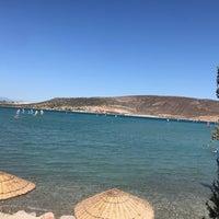 Foto scattata a Alaçatı Surf Paradise Club da Pınar N. il 9/11/2021