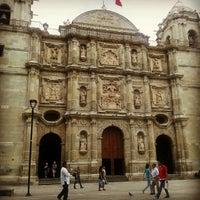 Foto tomada en Zócalo por Chucho P. el 9/21/2012
