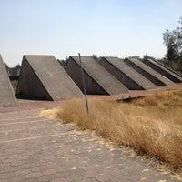 รูปภาพถ่ายที่ Espacio Escultorico UNAM โดย Liz เมื่อ 2/28/2013