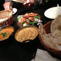 Das Foto wurde bei Lotus Land South Asian Food von Belle Y. am 3/7/2013 aufgenommen