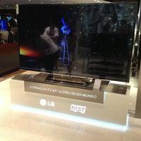 Foto tirada no(a) Fast Shop por Maria Flávia C. em 12/26/2012