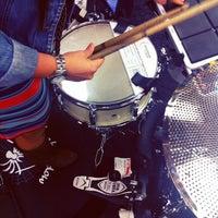 10/27/2013 tarihinde Yahdiel O.ziyaretçi tarafından Guitar Center'de çekilen fotoğraf