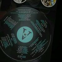 Foto tomada en Vinyl bar por Gabriela P. el 10/29/2016