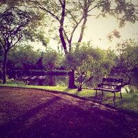 Das Foto wurde bei Thonburirom Park von iBankstory K. am 6/3/2013 aufgenommen