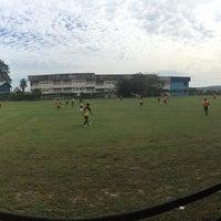 Photo Taken At Padang Bola Sepak Kampung Melayu Kulai By Azrin A On 10