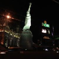 รูปภาพถ่ายที่ Piranha Nightclub โดย Pepsi B. เมื่อ 1/29/2013