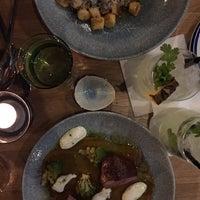 Das Foto wurde bei MontRaw Restaurant von Kasper S. am 4/19/2018 aufgenommen