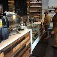 1/11/2013 tarihinde chad s.ziyaretçi tarafından Condesa Coffee'de çekilen fotoğraf