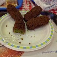 Foto tirada no(a) Upper West Side Falafel por Atılım E. em 1/12/2013
