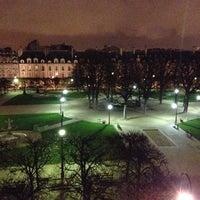 Das Foto wurde bei Place des Vosges von Hadrien M. am 11/27/2012 aufgenommen