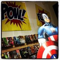 Das Foto wurde bei Pop Culture Paradise Comics von Stephanie am 7/21/2014 aufgenommen