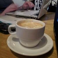 Foto scattata a Felicitous Coffee & Tea House da Janette N. il 9/20/2012