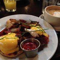 Photo prise au Blu Jam Café par Dan L. le11/19/2012