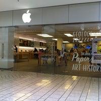 7/23/2013에 Stella B.님이 Apple Beverly Center에서 찍은 사진