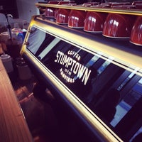 Photo prise au Stumptown Coffee Roasters par Chris P. le1/26/2014