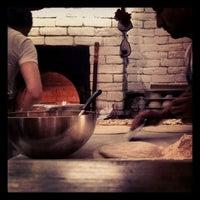 Foto scattata a Miss Pizza da Yigit D. il 12/28/2012