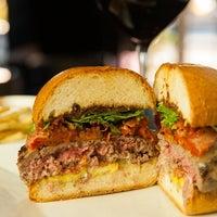 12/12/2012 tarihinde Erikziyaretçi tarafından Eden Burger Bar'de çekilen fotoğraf