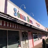 10/11/2019 tarihinde Allie F.ziyaretçi tarafından Sugar Bowl Ice Cream Parlor Restaurant'de çekilen fotoğraf