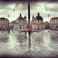 Foto scattata a Piazza del Popolo da Дмитрий Л. il 8/20/2013