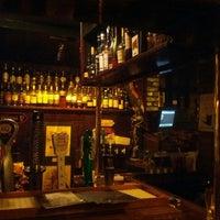 Das Foto wurde bei Hurley's Irish Pub von Richard K. am 1/26/2013 aufgenommen