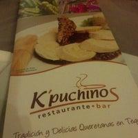 Das Foto wurde bei Kpuchinos von Jorge am 11/3/2012 aufgenommen
