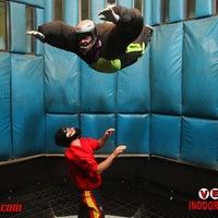 5/21/2013 tarihinde Hildeberto M.ziyaretçi tarafından Vegas Indoor Skydiving'de çekilen fotoğraf
