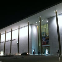 Foto diambil di The John F. Kennedy Center for the Performing Arts oleh Michael W. pada 12/28/2012