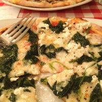 2/28/2013 tarihinde Fatma K.ziyaretçi tarafından Pizano Pizzeria'de çekilen fotoğraf