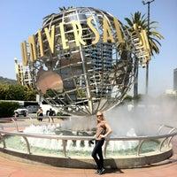 5/2/2013 tarihinde Elenaziyaretçi tarafından Universal Studios Hollywood Globe and Fountain'de çekilen fotoğraf