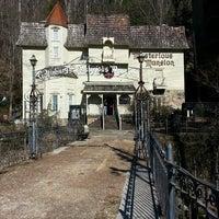 2/24/2013 tarihinde Paul M.ziyaretçi tarafından Mysterious Mansion'de çekilen fotoğraf