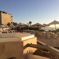 Foto scattata a Cabo Villas Beach Resort & Spa da Carolyn ☀. il 10/19/2017