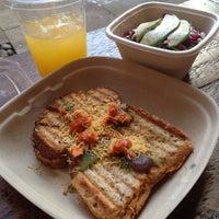 Foto tomada en Bombay Sandwich Co. por Demetrius B. el 12/19/2013