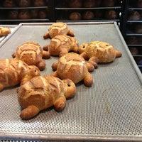 2/25/2013 tarihinde Damirziyaretçi tarafından Boudin Bakery Café Baker's Hall'de çekilen fotoğraf