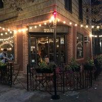 Foto scattata a Pinkerton Wine Bar da Ilan B. il 10/6/2019