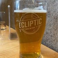 รูปภาพถ่ายที่ Ecliptic Brewing โดย Jason C. เมื่อ 6/6/2021