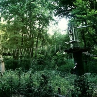 Das Foto wurde bei Waldhochseilgarten Jungfernheide von Nadine G. am 8/10/2014 aufgenommen